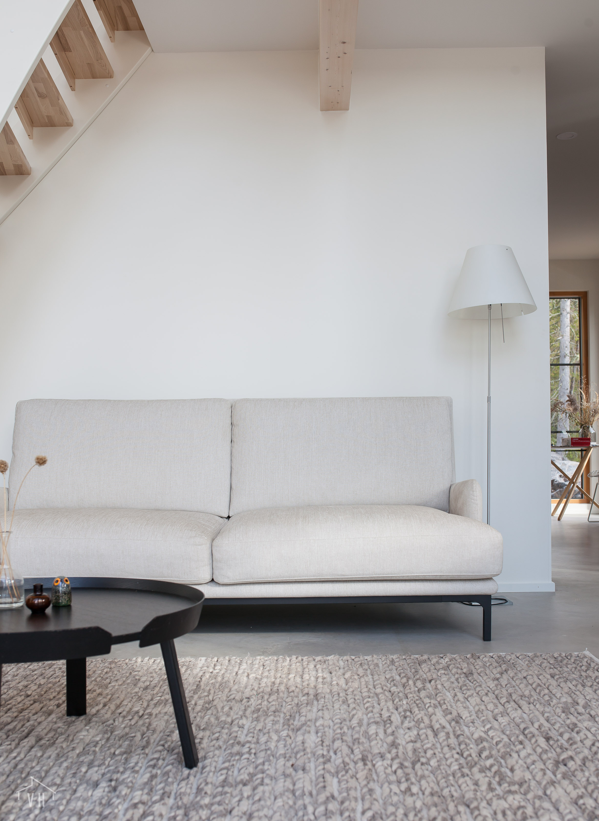 Pellavanvärinen Howard-sohva, Furninova