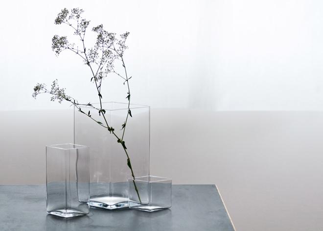 Ruutu-vases-by-Bouroullec-brothers-for-Iittala_dezeen_784_10