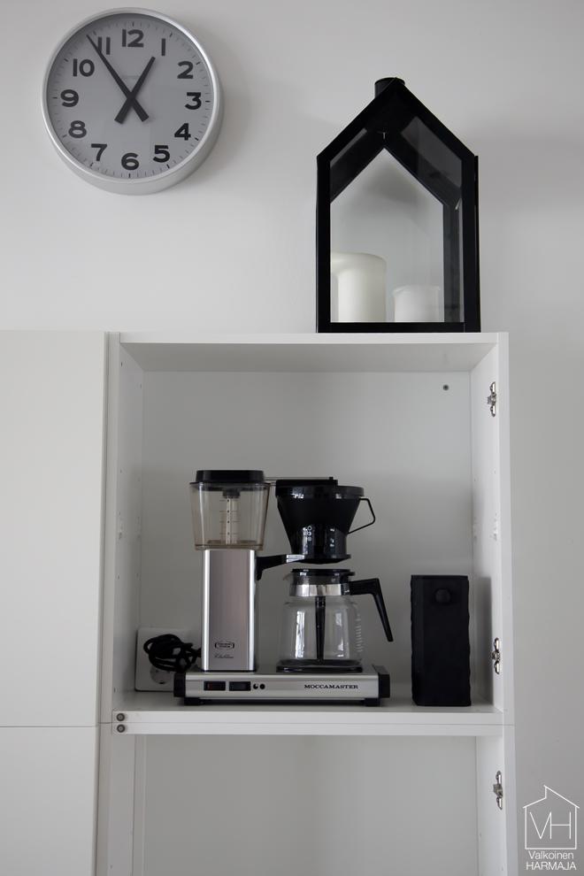 kahvinkeitin_kaapissa