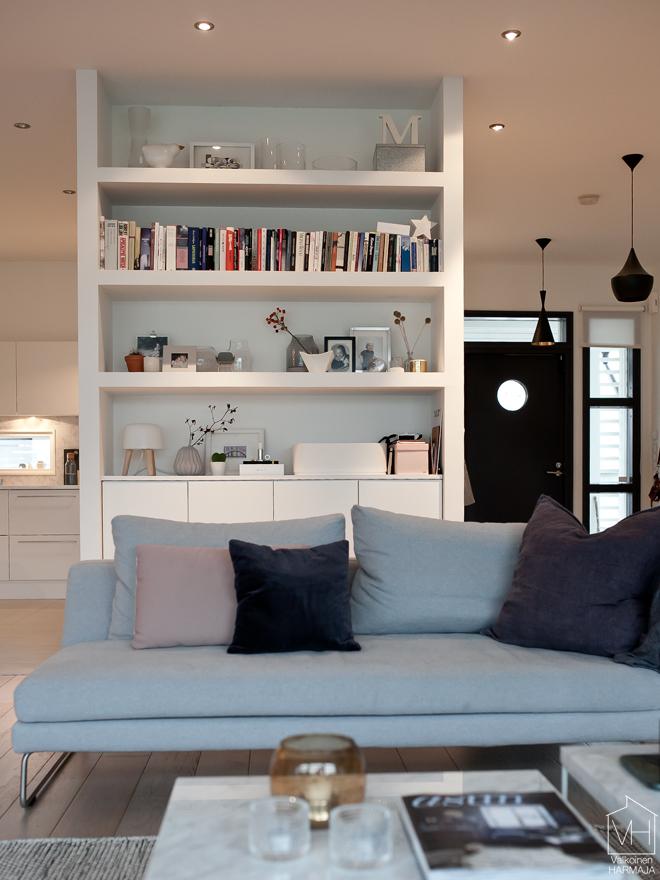 livingroom_bookshelf
