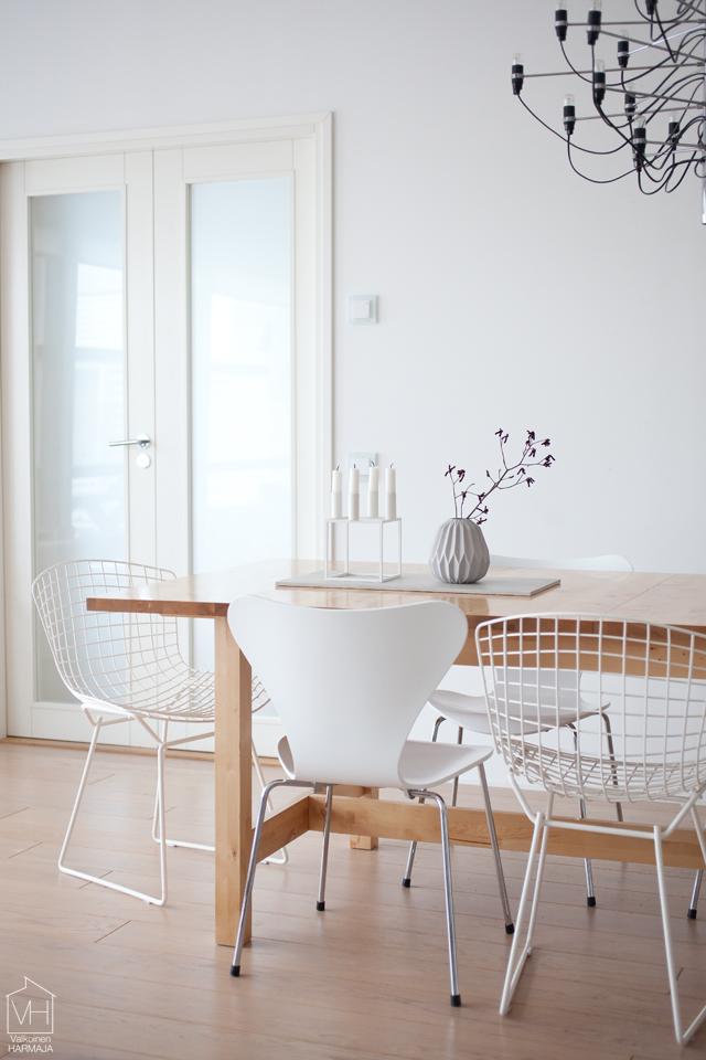 vintage_bertoia_chairs