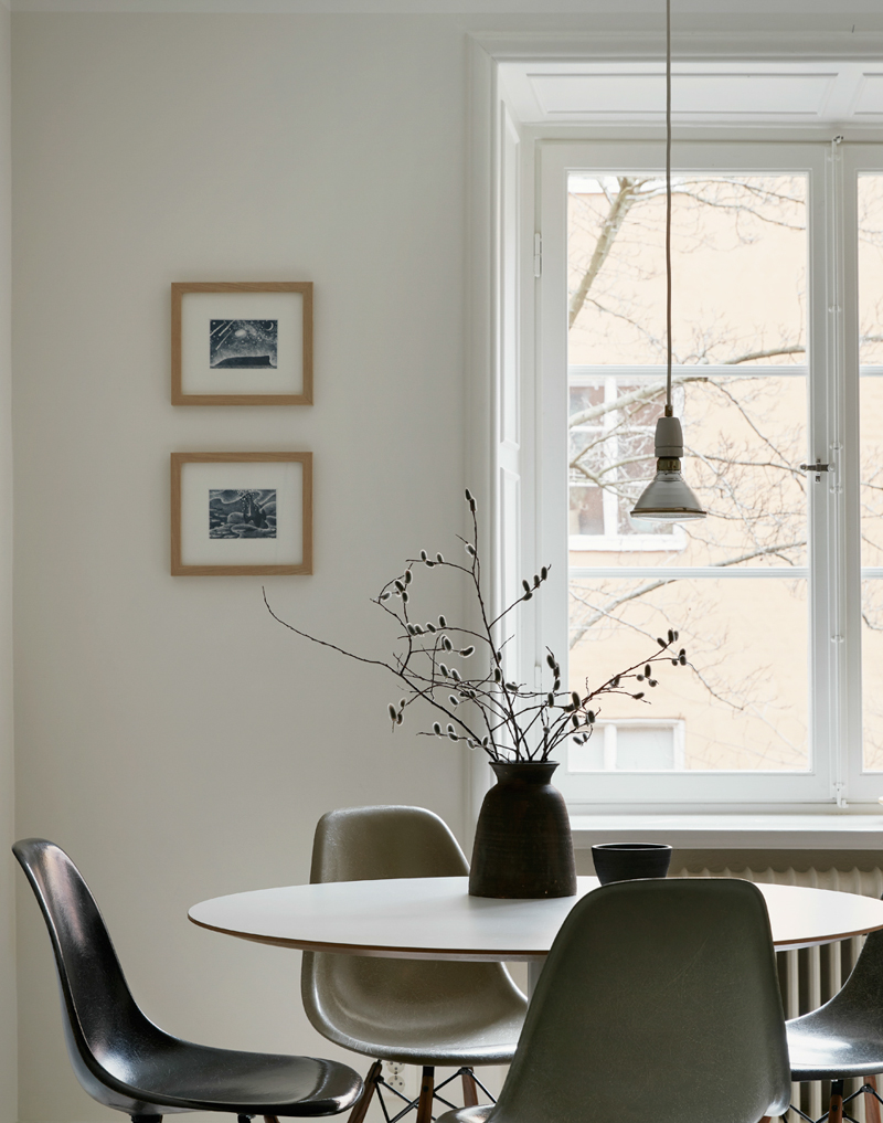 dining-room-in-warm-muted-hues