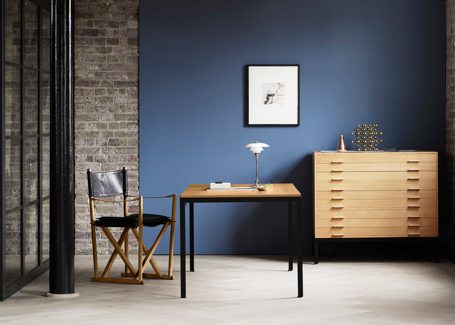 poul-kjaerholm-pk52-professor-desk-oak-drawer-tables-carl-hansen-son_dezeen_1568_3