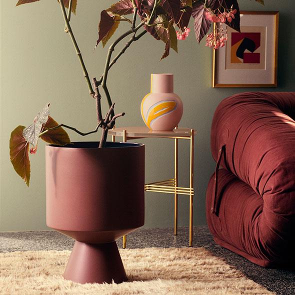 fiora-krukke-h500-bordeaux-vase-pink