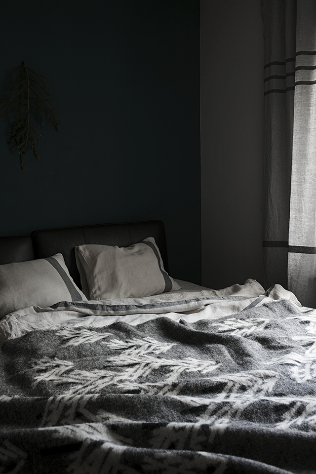 lapuankankurit_kuusi_blanket_black-white_2